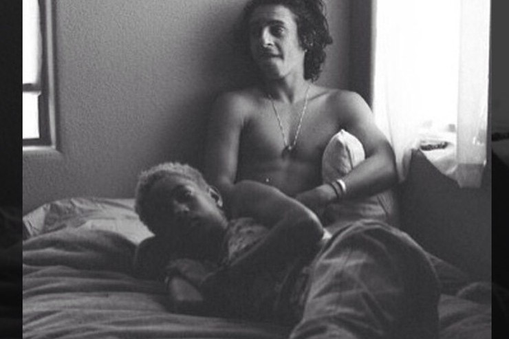 Willow Smith In Bed With Moises Arias, Drama Ensues (Photo)